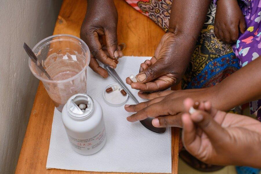 داروی ضد ایدز با طعم توت فرنگی برای نوزادان و بچه ها