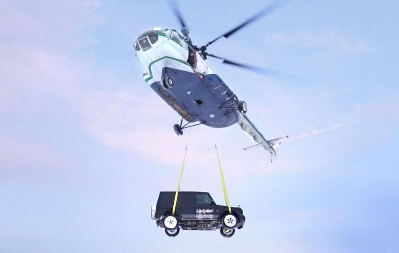 رها کردن مرسدس G کلاس از ارتفاع 100 متری؛ روش عجیب سلبریتی روس برای اعتراض به خدمات بنز