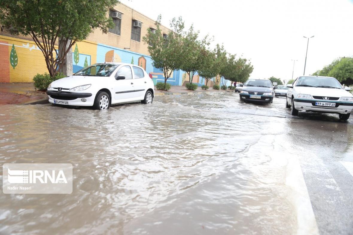 خبرنگاران نقاطی از شهر مشهد دچار آب افتادگی شد