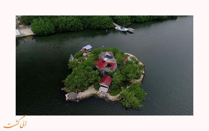 تصاویر جزیره ای که کاملا از پلاستیک ساخته شده است!