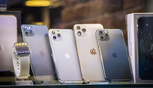 واردات 14 میلیون گوشی موبایل